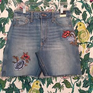 NWT Abercrombie & Fitch Floral Distressed Skirt